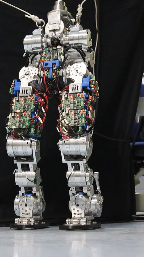 COMAN robot learning to walk - MVI 4773
